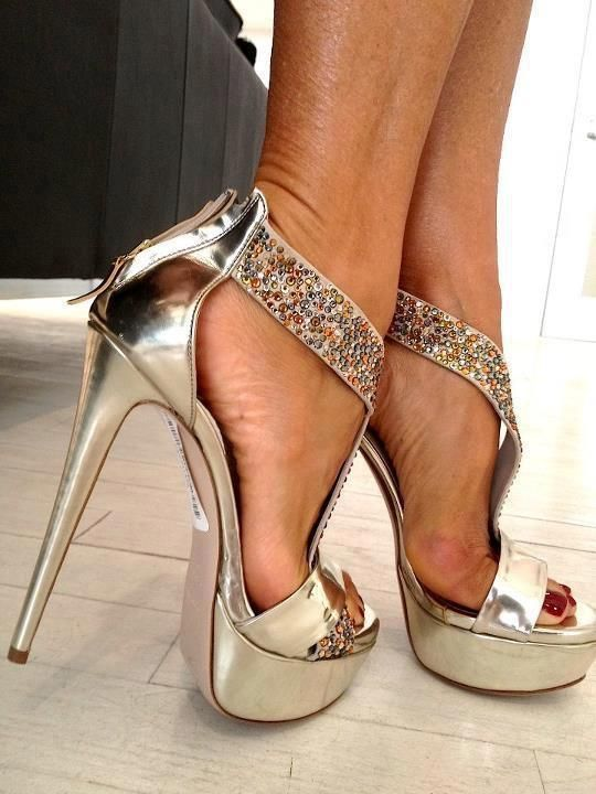 Towering shoes and high heels that look sexy | Highheels4Ever ...