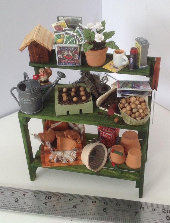 Dolls+House+Miniatures++Gardeners+Potting+por+LittleHouseAtPriory