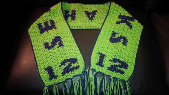Seahawks 12th Man Scarf - via @Craftsy  I finally got the final draft done on the pattern and have put it up for purchase!  Enjoy!