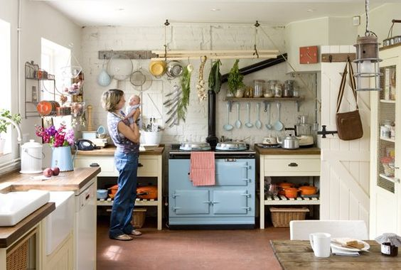 Aga stove, British country style kitchen