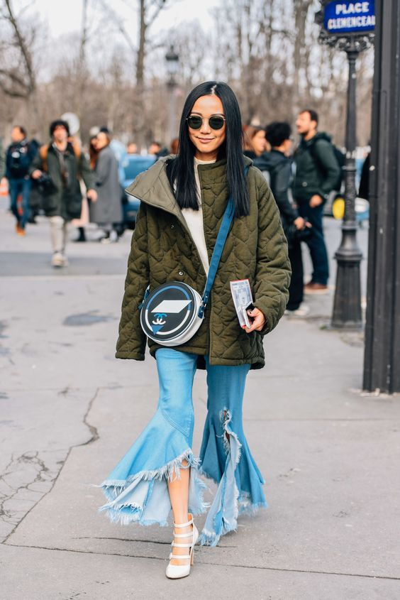 March 8, 2016 Tags Chanel, Sunglasses, Paris, Green, Logo, Blue, Jeans, Fringe, Women, Flares, High Heels, Coats, Bags, Marques Almeida, Olive, Yoyo Cao, Ray-Ban, FW16 Women's, 1 Person, Quilted
