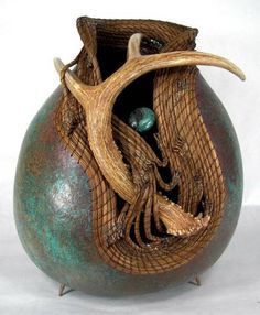 Gourd art by Judy Richie. Yep, in love again, so much my style and taste..