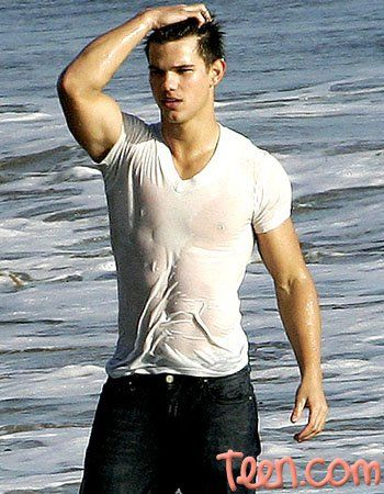 Take 1 Taylor Lautner. Put in a white shirt. Add water. How very Eddy Moon