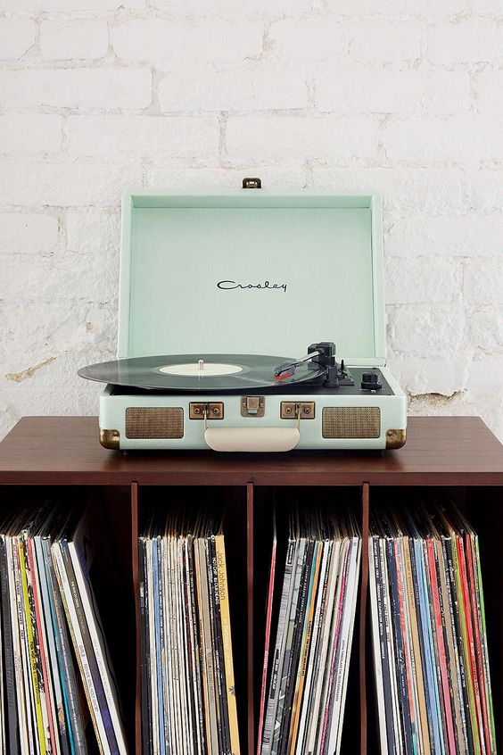 1000 ideas about record player on pinterest radios turntable and vintage - Lecteur vinyle retro ...
