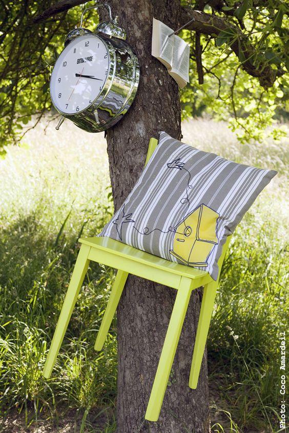 Coussin / Cushion piou toile à matelas - © la cerise sur le gâteau - Anne Hubert - photo: Coco Amardeil