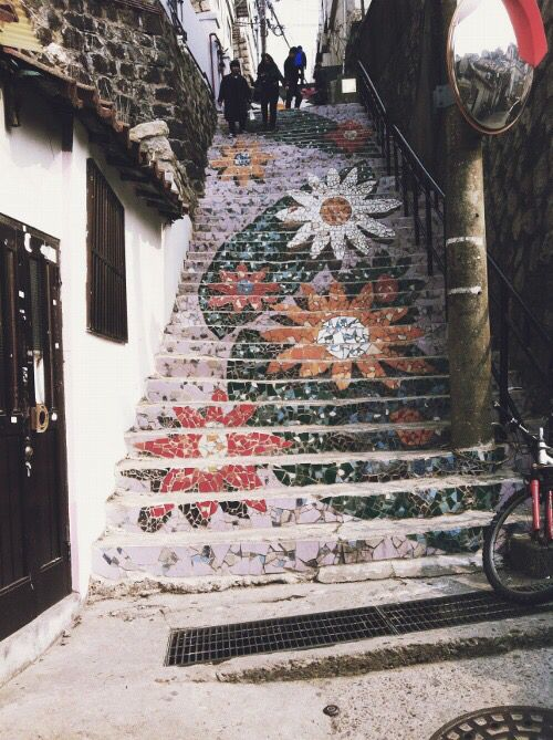 Stairs painted with flower design