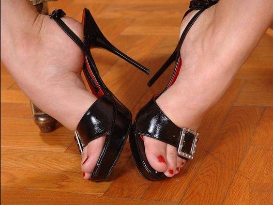Sandals (6) 278
