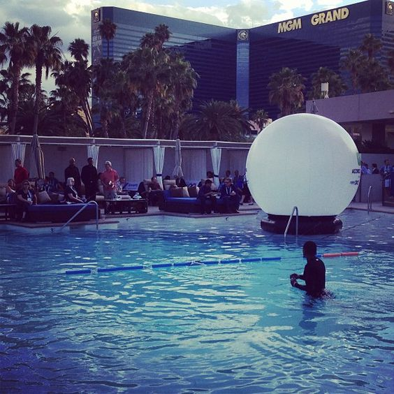 The #ACORDLOMA closing party at the Wet Republic Pool in the MGM Grand, hosted by Xuber and Xchanging.