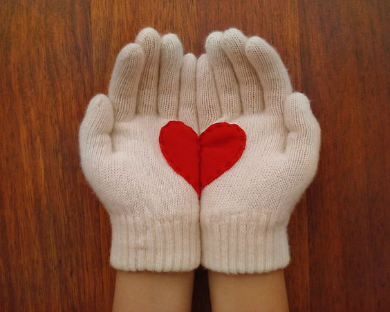 Love gloves!: Fashion Gloves, Hearts 3 3 3 3 3, Felt Hearts, Gloves Light, Gloves Heart, Cream Gloves, Heart Gloves