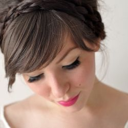 10 Holiday Hair Must Do's for you to get inspiration from.