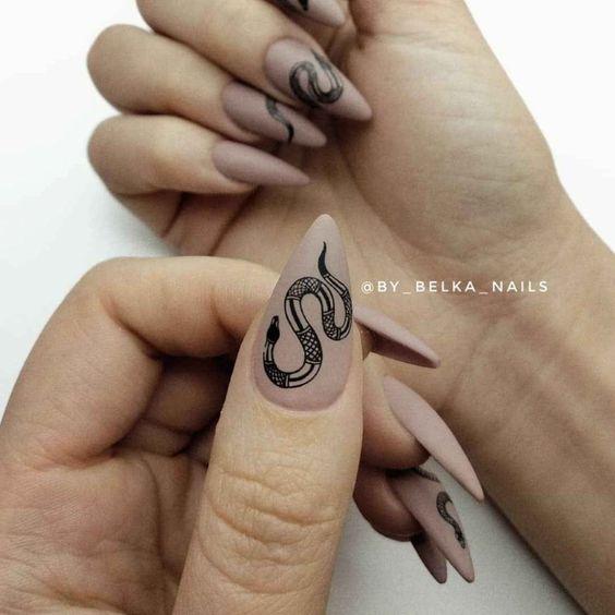 Маникюр со змеями 2020: 60 фото идей, которые сделают тебя роковой красоткой - Журнал Элис