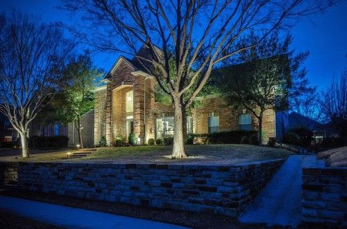 Pristine condition and totally updated in Plano Hurry this one will not last long.  Marketed by The Stephen Wiggins Group of Keller Williams