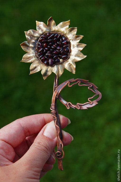 брошь-кулон Подсолнух из меди с гранатом wire wrap - брошь, брошь цветок