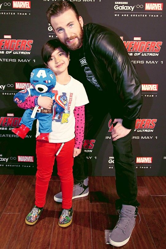 Chris Evans with a very cute fan