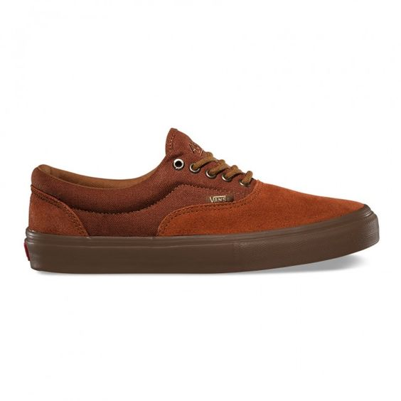 The Era Pro is a classic Vans Authentic updated for enhanced performance.