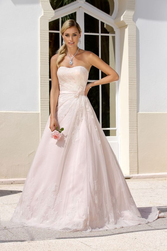 Ladybird Wedding Dress 416022 http://www.valkengoed.nl/