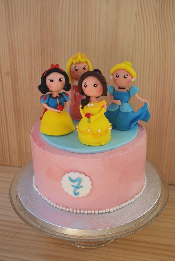Princess cake. Tarta de princesas Disney.