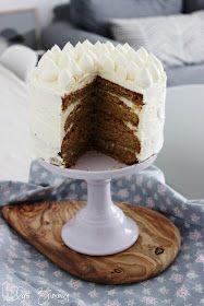 Haselnuss-Karotten-Torte & Cyrillus