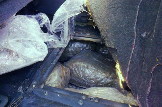 Επεισοδιακή σύλληψη 23χρονου στη Λεμεσό – Παρέλαβε βαλίτσα με 15 κιλά ναρκωτικά