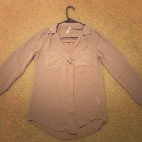 Tan Blouse, chiffon-like material Cute, mature blouse. It is tan with a collar and long sleeves that can be rolled up and buttoned. Only worn a few times Tops Blouses