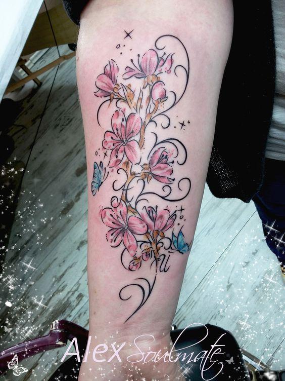 Eins meiner Lieblingsmotive..... #kirschblüten #aachencity #amazingtattoo #aachen #tattoo #soulmate #family #soulmatetattoo #girlstattoo #inkedgirls #memory #tattooartist #tattoodesign #alexsoulmate #blumenranke #schmetterlinge #butterfly #flower #blumen #mädchenkram #love #liebe #ornamentik #schnörkel #tattoos #ink #mädchentattoo