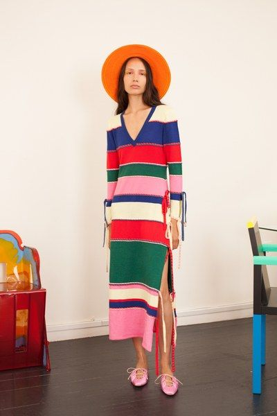 The complete Rosie Assoulin Spring 2019 Ready-to-Wear fashion show now on Vogue Runway.