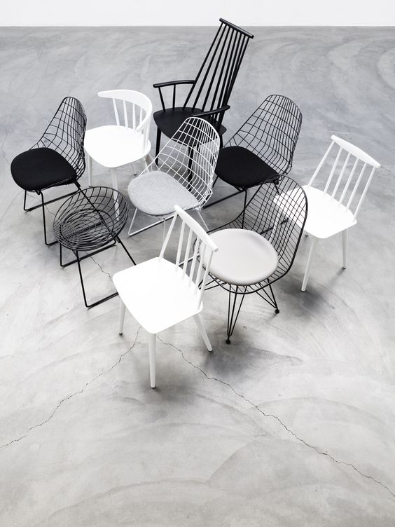 Interior trend Urban Astronaut by @Perscentrum Wonen with Pastoe FM06 and KM05 chair wireframe design classics