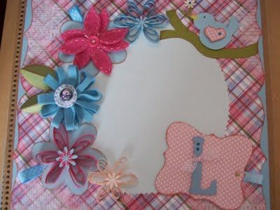 Álbum de fotos decorado na técnica de Scrapbooking