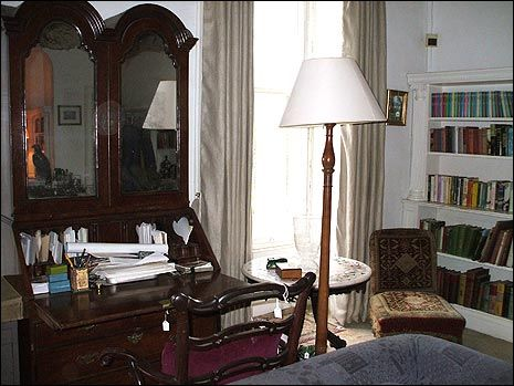 The library ~ writing desk ~ Greenway