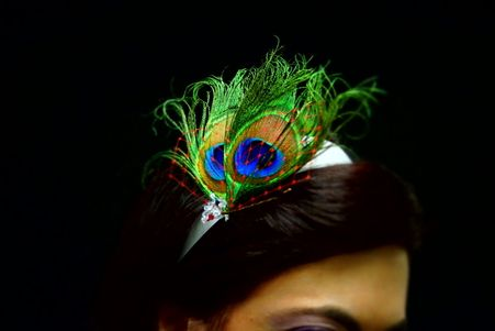 Bridal Hair Accessory Blue Green Peacock Wedding Fascinator Ivory Headband, wedding fascinator, headband, ivory, blue, green, peacock, feather, swarovski elements, veil, head piece, bridal hair accessories, head wear