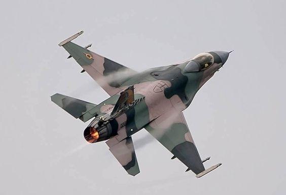 El Sentido Común Es El Menos Común De Los Sentidos Foto Fighter Jets Fighter Cool Stuff