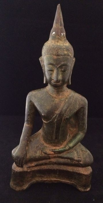 At the Catawiki auctions from tomorrow onwards: Excavated Bronze Buddha - Thailand - 18th century