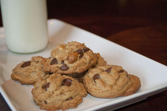 chunky peanut, chocolate and cinnamon cookies | Cinnamon Cookies ...