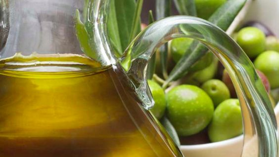 Extra Virgin Olive Oil, the Mediterranean gold for beauty and health