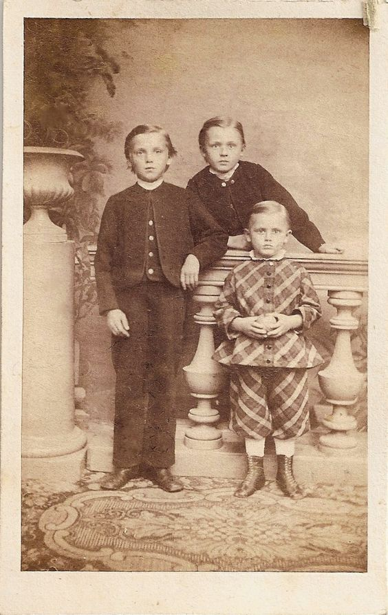 Victorian era siblings