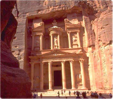 Hacer mi sueño de Indiana Jones realidad en Petra, Jordania.