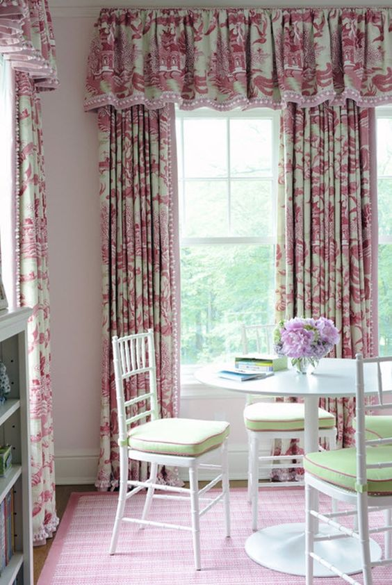 Toile window treatment girl 39 s bedroom kerry hanson for Toile de fenetre