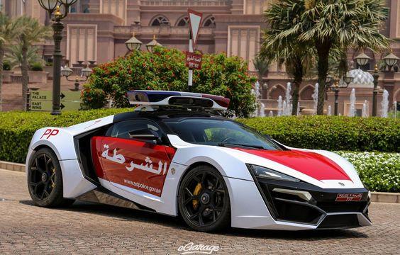 Police Abu Dhabi have got Lykan Hypersport