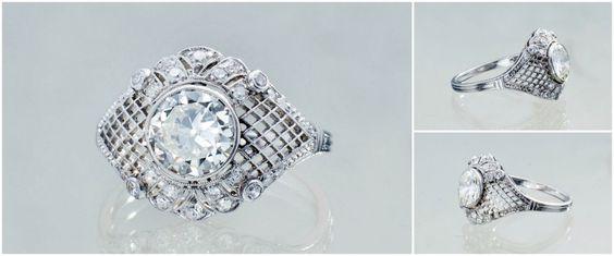 Pierścionek zaręczynowy: w platynie z diamentami. Cudo!  #pierścionek #platyna #diamenty #diament #vintage #starabiżuteria #pierścionekzaręczynowy #zaręczyny #engagement