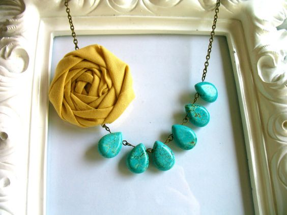 happy little lovelies on etsy...i'm thinking these necklaces with gray...turquoise, mustard accents hmmm