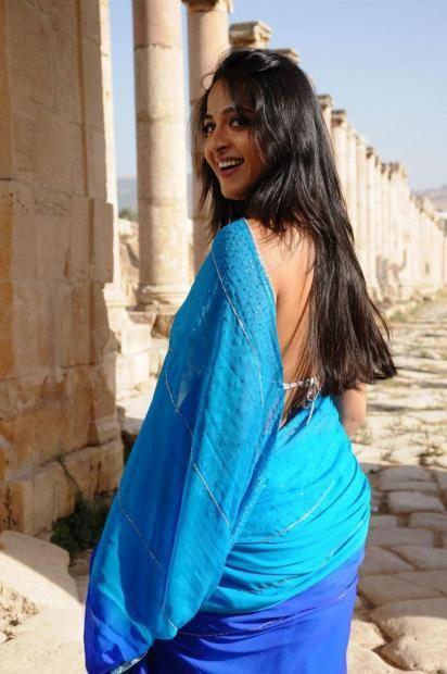 Anushka Shetty hot hd Saree pics photos   wallpaper1.net ...