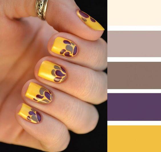 Combinaciones de uñas en colores amarillo y morado