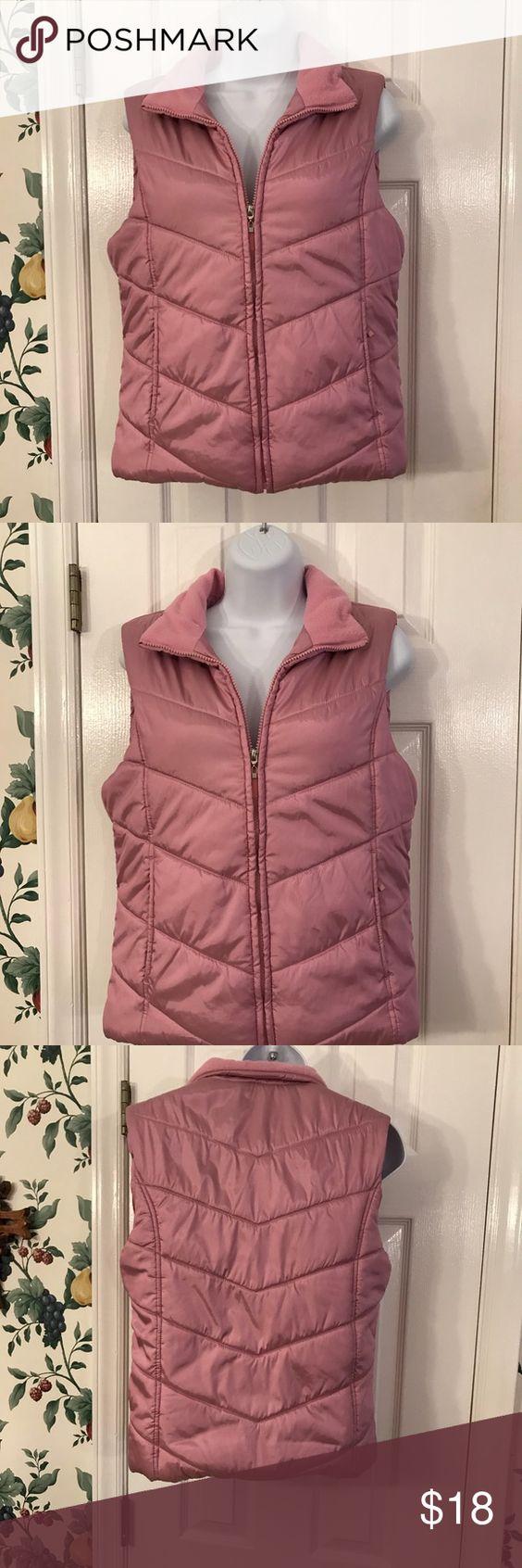 Izod Vest Clothes Design Fashion Outfits [ 1692 x 564 Pixel ]