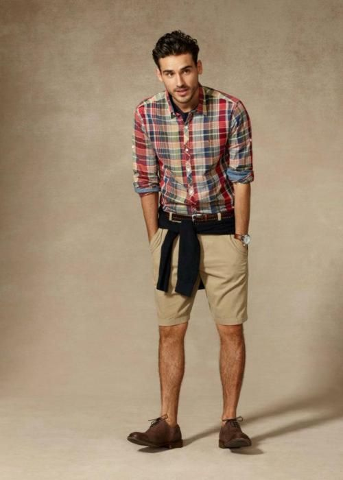 What To Wear With Khaki Shorts Guys