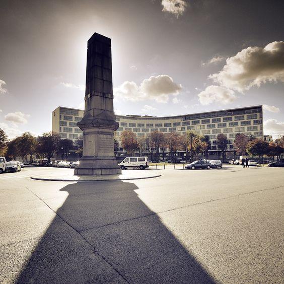 UNESCO headquarters, Av. de Lowendal (behind Ecole Militaire) - Paris 7 by Damien Vassart, via Behance  (CW20-1)