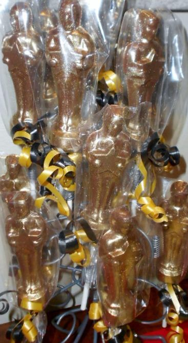 Groundbreaking Latino Athletes n 3937320 in addition Inflatable Trophy together with 14 Ideas For A Hollywood Wedding Or Oscar Party moreover Handmade in addition 14 Ideas For A Hollywood Wedding Or Oscar Party. on oscar party trophy favor