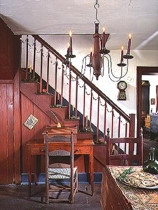 Early american style guides and colonial on pinterest for Primitive interior designs