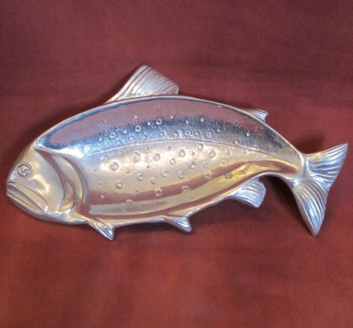 Pinterest the world s catalog of ideas for Fish shaped plates
