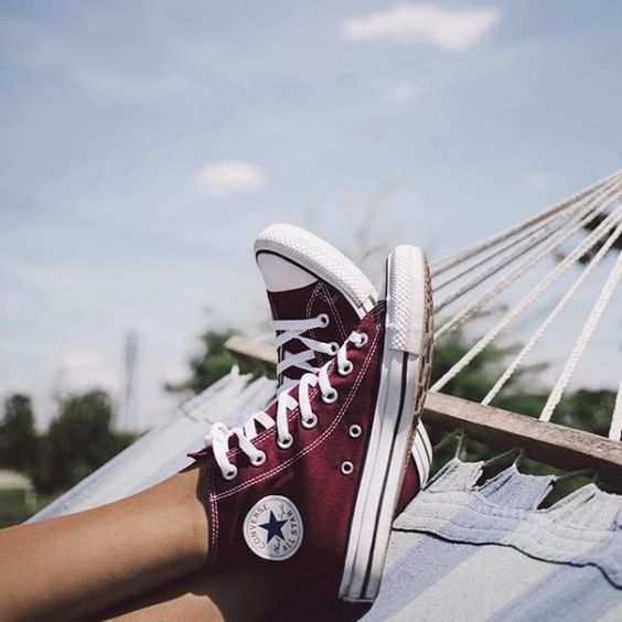10 Best Women's Converse Shoes: How to Wear Converse Sneakers