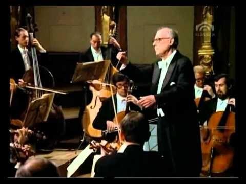 Mozart, Eine kleine Nachtmusik KV 525 Karl Bohm, Wiener Philharmoniker - YouTube